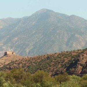 Ancienne forteresse sur un promontoire