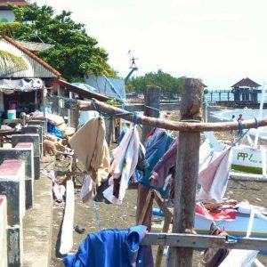 Singaraja: les baraques de pêcheurs en front de mer