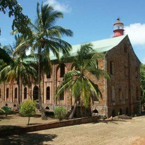 Ile Royale - Les bâtiments administratifs des Iles du Salut sont restaurés et utilisés