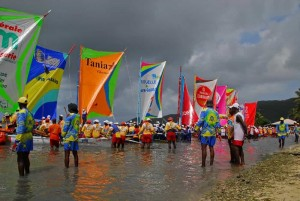 Départ du Tour de Yoles de Martinique sur la plage de Sainte Luce