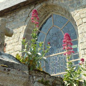 La petite église paroissiale Saint-Goal de Locoal à Locoal-Mendon