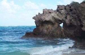 L'anse Grosse Roche et son fameux rocher en forme de coeur