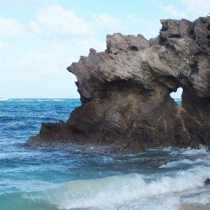 L'anse Grosse Roche et son fameux rocher en forme de cœur