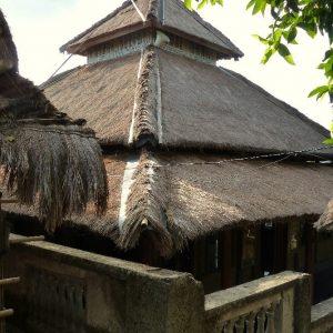Dans le village Sasak de Sade à Lombok, la mosquée