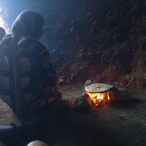 Dans la grotte des berbères  nomades