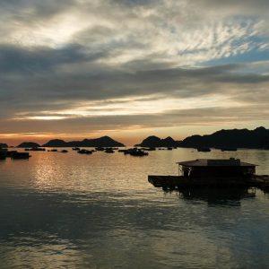 La baie d'Halong vue de Catba